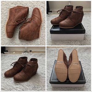 ✨ Distress Suede Ankle Wedge Bootie (Size 7) ✨